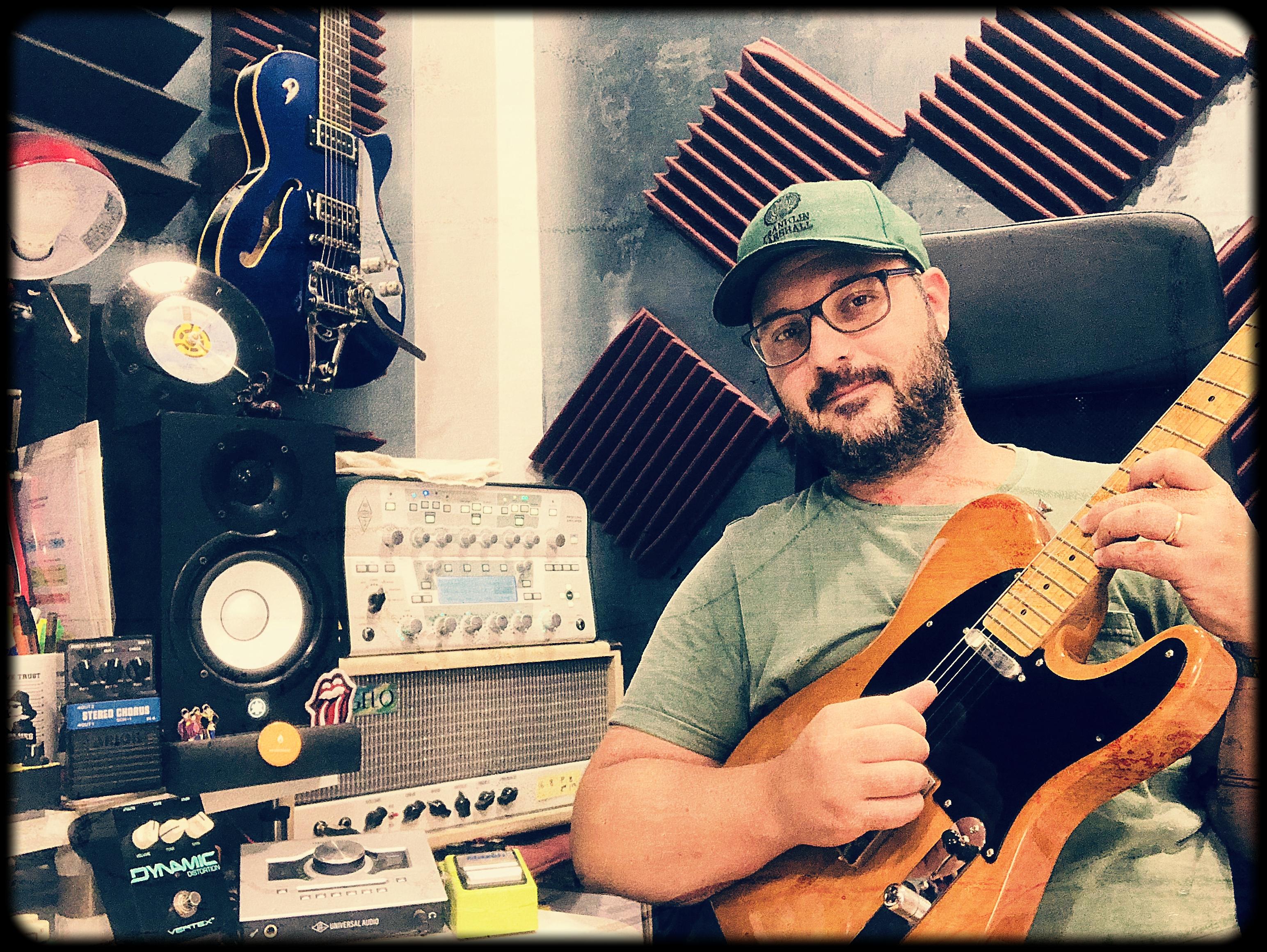 Manuel Contreras MC Guitar