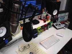 MC Guitar studio desk