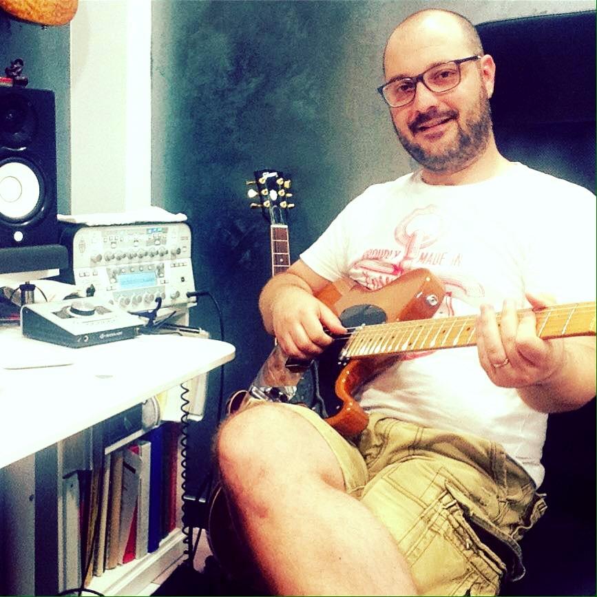 MC Guitar lezioni di chitarra roma_edited