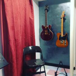MC Guitar studio guitars