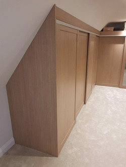 Slidng wardrobe sloping ceiling 4