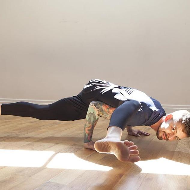 Make shapes #torontofitness #yoga #yogat