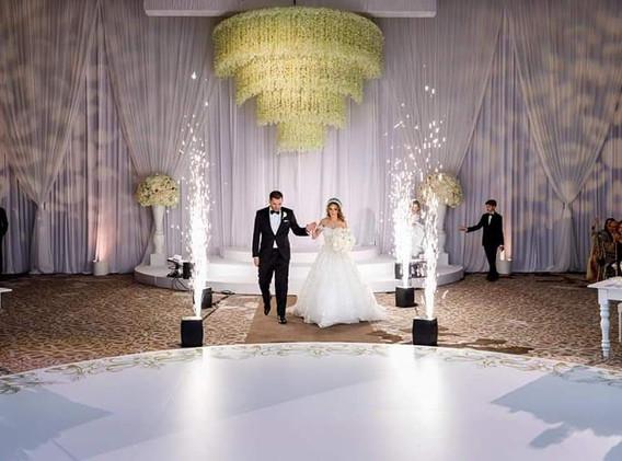 wedding cold sparkler machine.jpg