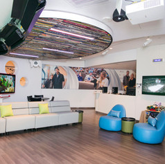 ZUCKER FAMILY SUITE: MASONIC CHILDREN'S HOSPITAL