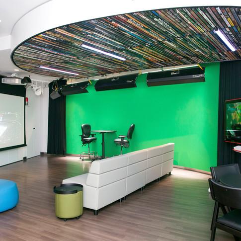 Zucker Family Suite & Broadcast Studio_05