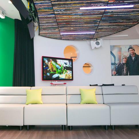 Zucker Family Suite & Broadcast Studio_06