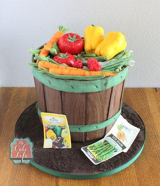 garden vegetable basket cake.JPG