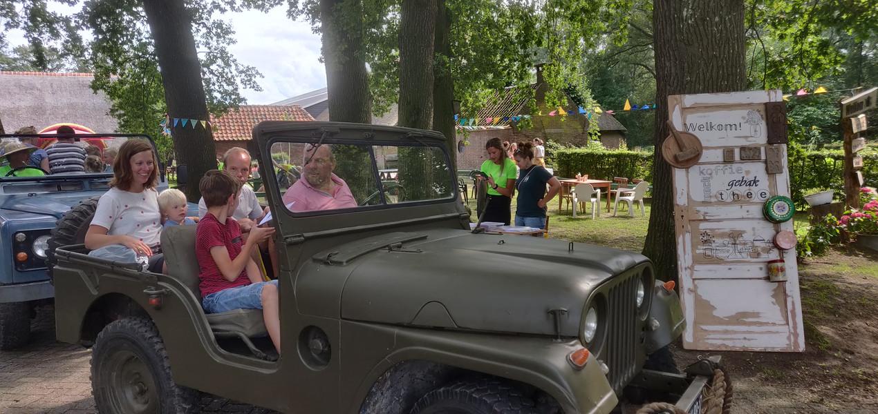Met de jeep