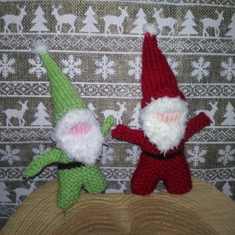 Le Père Noël et son complice le lutin