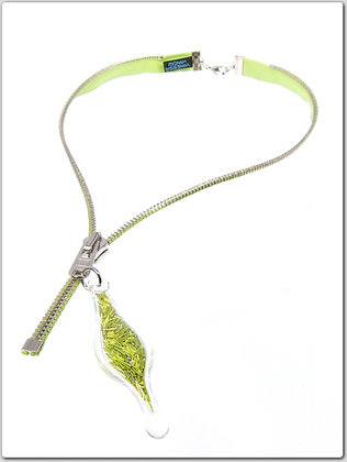 Lime/silver zipper necklace w lime wire (Z30B)
