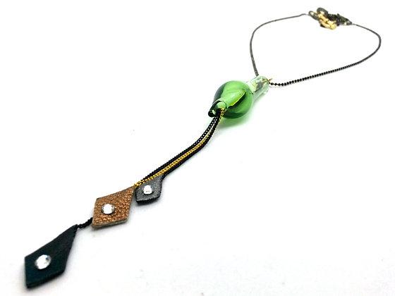 Distilled Necklace (bottle green)