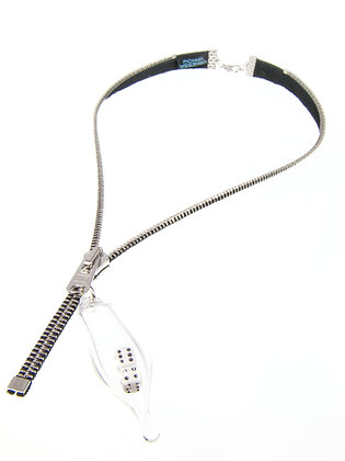 Blk/silver zipper necklace with dice charm (Z19F)