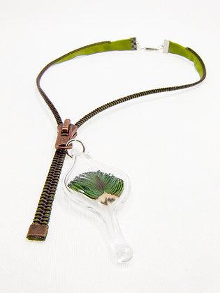 Khaki/brown zipper necklace w feather charm (Z7)