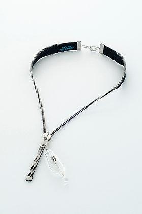 Blk/silv zipper necklace with silver arrow (Z17B)
