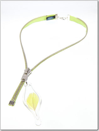 Lime/silver zipper necklace w feather charm (Z30C)