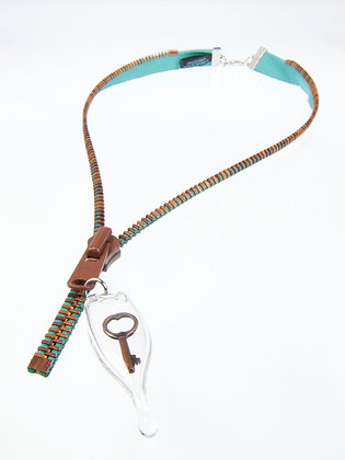 Lg-toothed Zipper Necklace w Copper Key (Z37A)