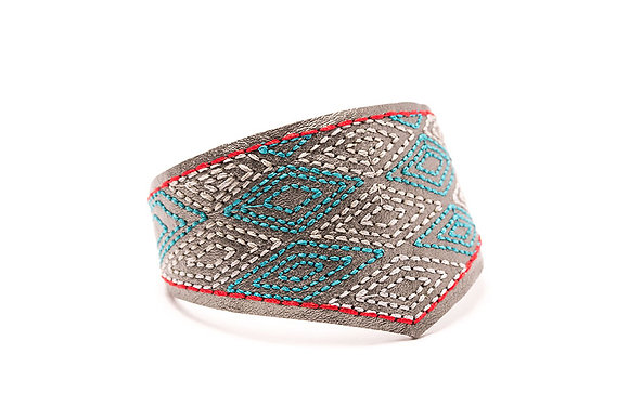Diamond Ripples embroidered Mercurial cuff