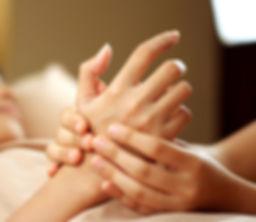 Bild på handmassage.JPG
