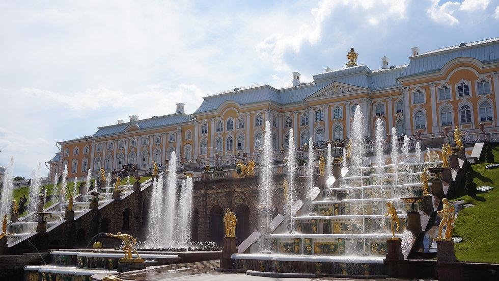 Вариант 1. Приеду сам в Петергоф. Хочу увидеть фонтаны и больше ничего.
