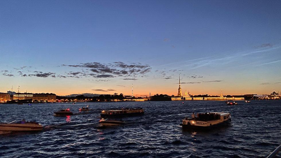 Истории разводных мостов от причала «Фаберже»