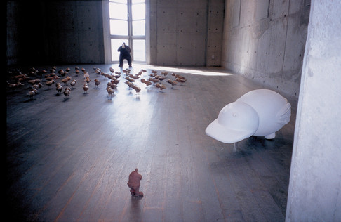 """Sole Exhibition  """"I see the flashing of light  in the universe"""" 2002  """"我看見宇宙的光一閃一滅""""個展"""