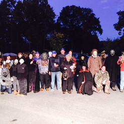 High School volunteers help with haunting!