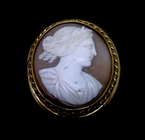 VICTORIAN GOLD MOUNTED SHELL CAMEO BROOCH C1860