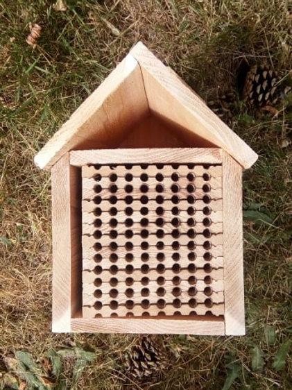 96-Hole Wood Nesting Block Plus Shelter
