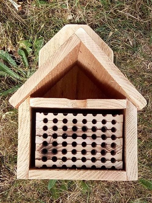 48-Hole Nesting Block Plus Shelter