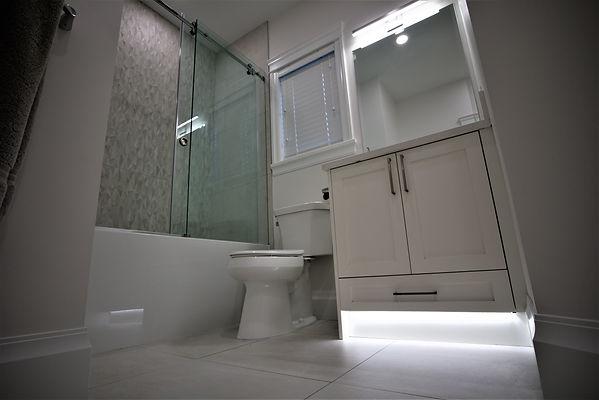 Bathroom pic 2.jpg