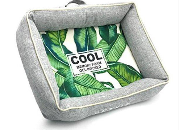 Reversible Cooling and Warming Pet Bed