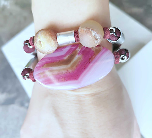 Red bordeaux modern bracelet, a glam bracelet made with agate stones