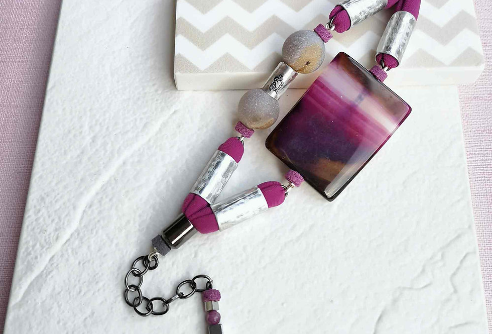 Fuchsia bracelet