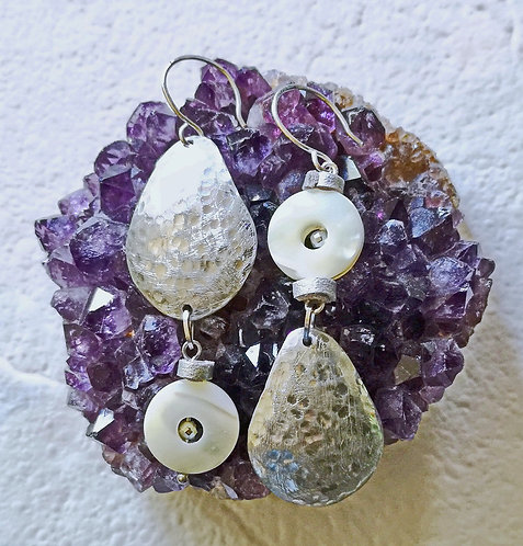 Asymmetric mother of pearls earrings
