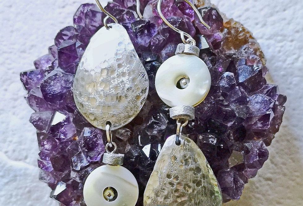 Asymmetric mother of pearls earrings