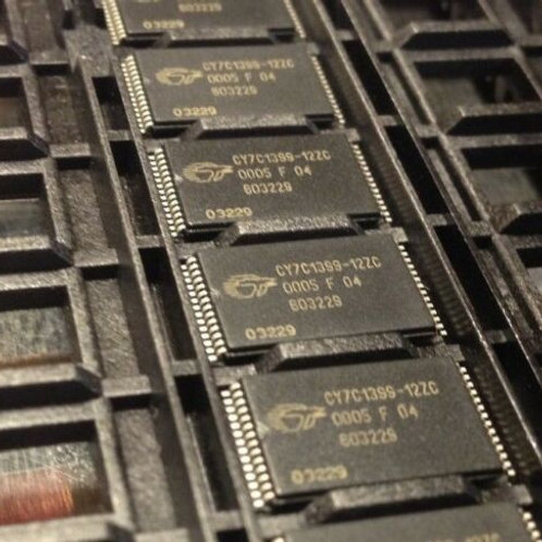 1 PCS CYPRESS SEMICONDUCTOR  CY7C1399-12ZC TSOP-28 ORIGINAL