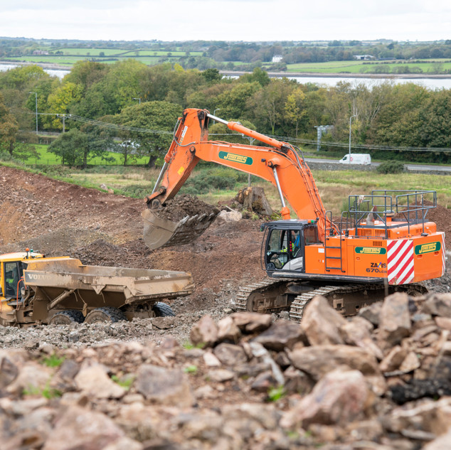 Volvo A40G and Hitachi ZX670LCH