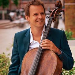 Tim Low (cello)