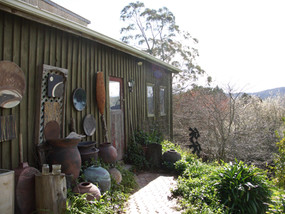 Jeff Mincham's Studio - Exterior