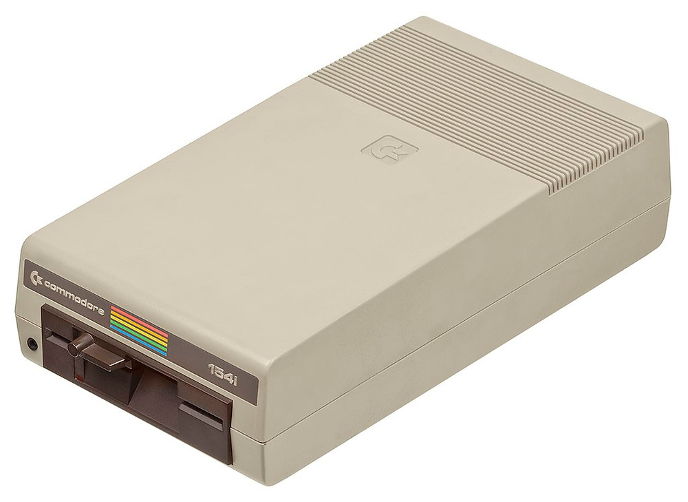 The Commodore 1541 5 ¼ inch floppy disc drive – the official FDD of the C64