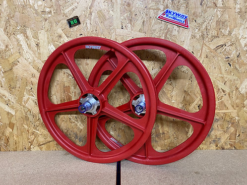 """SKYWAY TUFF2 20"""" [RED, SILVER FLANGE]"""