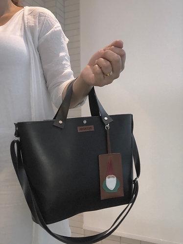 Última Chance handbag + tag