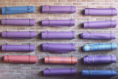 classes de yoga lleida, barcelona