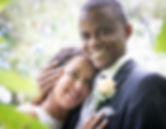 Mariée, mariage, mains croisées, pégnoir femme, bague, préparation, maquillage, coiffure