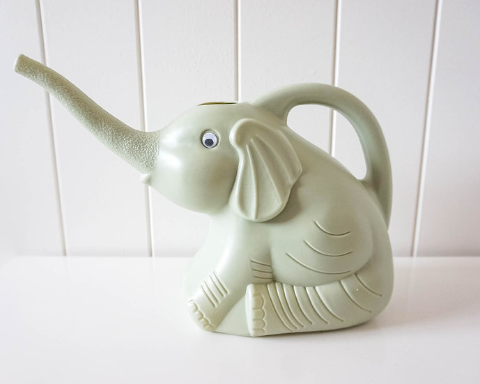 ELEPHANT WATERING CAN - GREEN