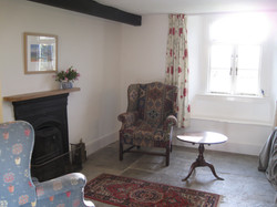 Small sitting room off kitchen