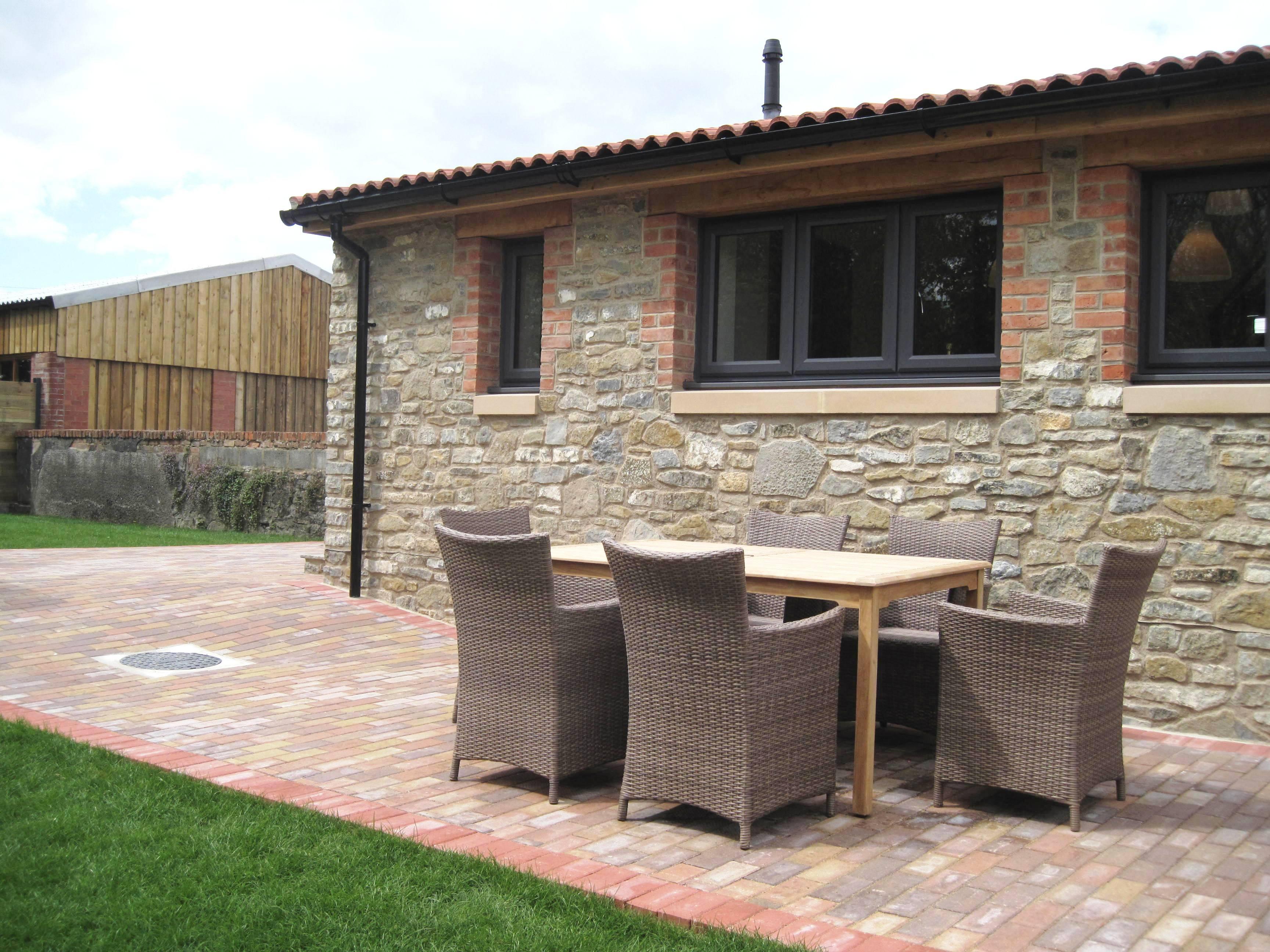 Stone barn terrace 2 IMG_1792