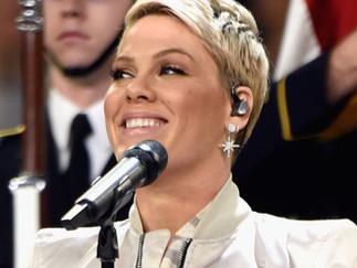 Pink ha utilizando el Sistema Sennheiser Digital 6000 en su gira, y por su puesto, en el Super Bowl