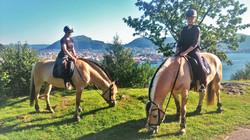 Riding på byfjellene