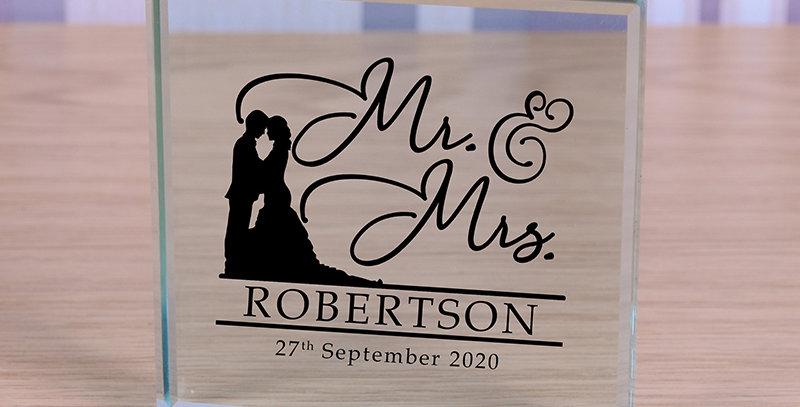 Mr & Mrs - Glass Token
